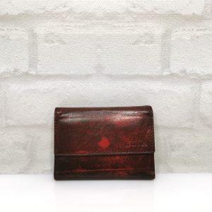 Дамско портмоне естествена кожа черно с червено, изработено от висококачествена мекаестествена кожа - напа. Стилно и практично.